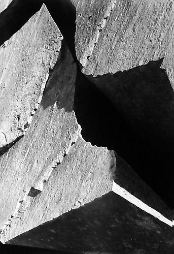 Hyde_split_boulder_near_lake_ediza_720