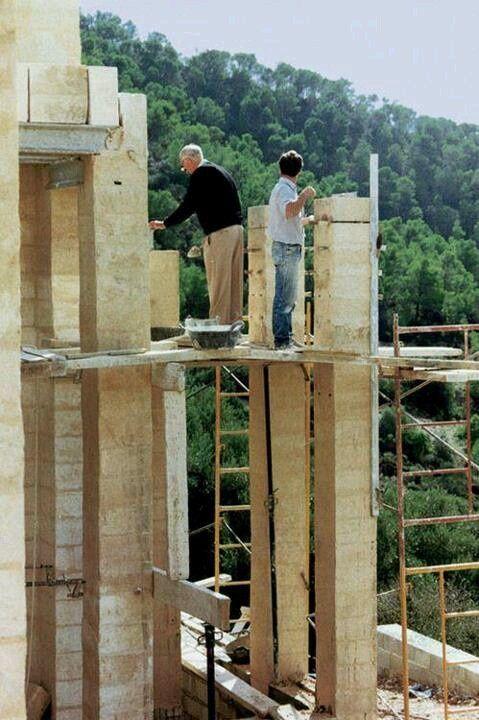 bd00b6037036eb94f5f61515caf27864--jorn-utzon-famous-architecture