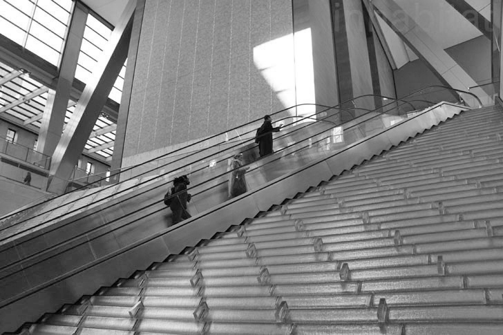 Hearst-Foyer-Escalator