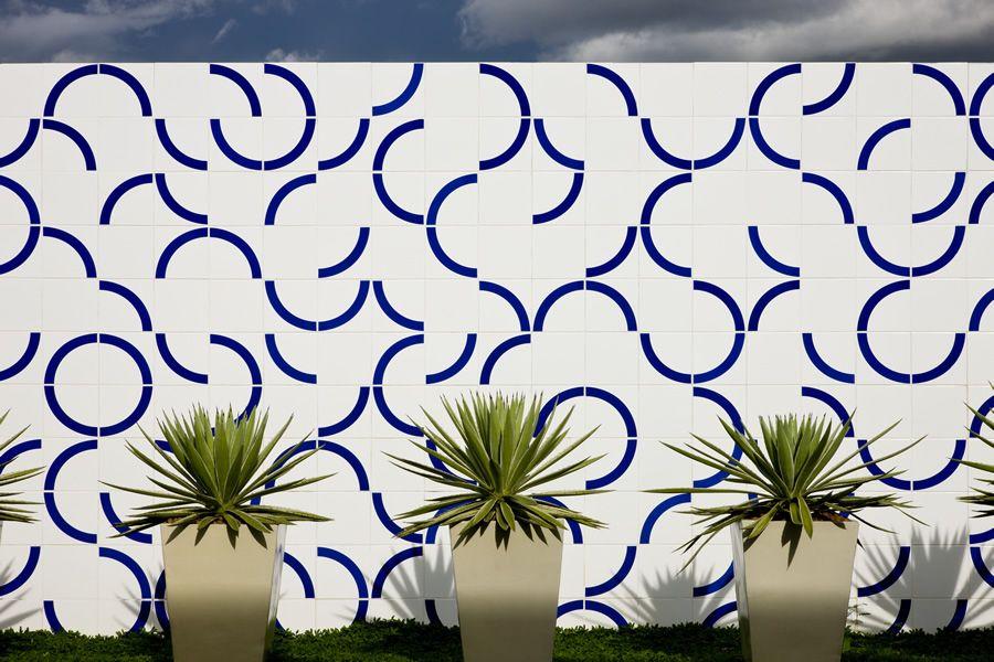 Centro de Forma__o da C_mara dos Deputados CEFOR Bras_lia Painel de Azulejos Arq Elcio Gomes da S