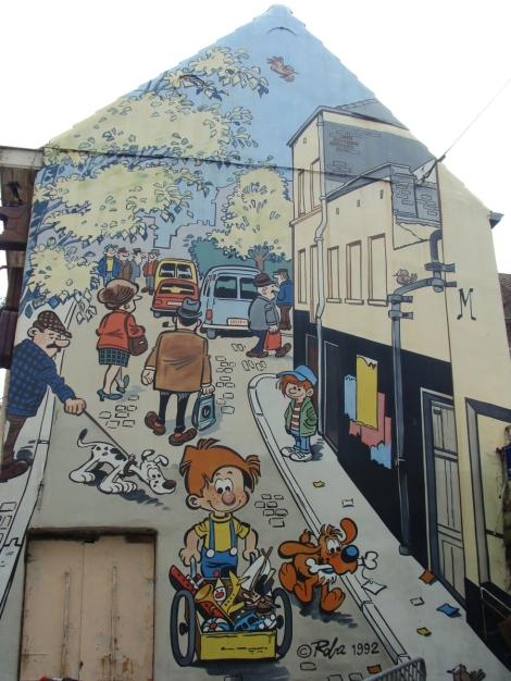 Mural de cómic en el barrio de Marolles en Bruselas II