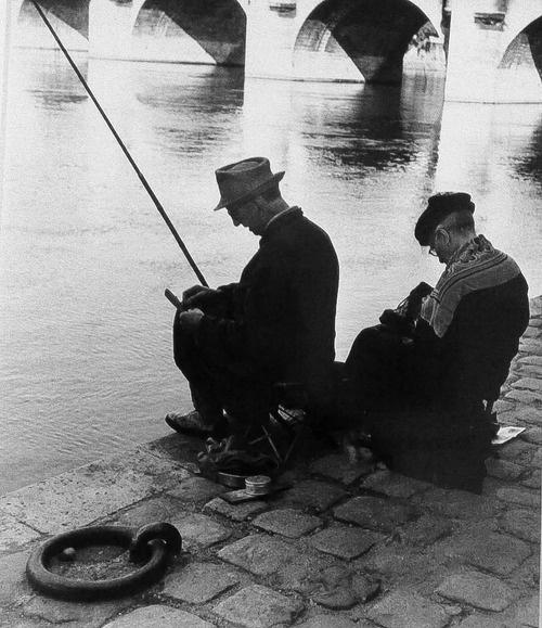 Izis Bidermanas Square du Vert-Galant face au Pont-Neuf, 1958