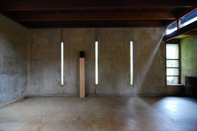 Casa-Schindler-Chace.-Madera-hormigón-y-cristal.-Interior2-650x434