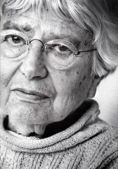 Eva Besnyo (1)