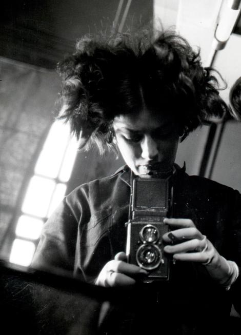 Eva_Besnyö-Selbstportrait-Berlin-1932©Eva_Besnyö_MAI