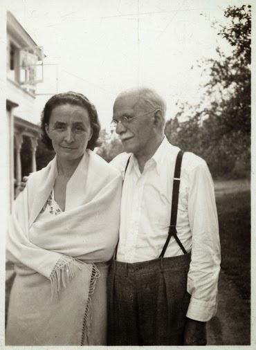 Georgia O'Keeffe and Alfred Stieglitz, unidentified date, unidentified photographer, Georgia O'Keeffe Research Center