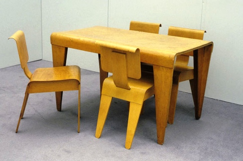 mbreuerisokonchairs-table