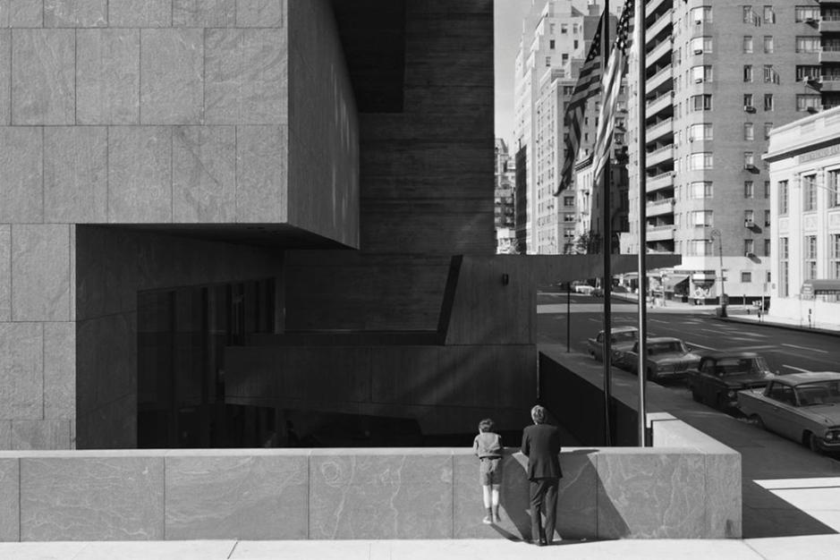 Whitney_Museum_Marcel_Breuer_New_York_NY_1966_016__z