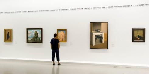 © Annie Viannet/Maxppp - Paris - France - 20 septembre 2016. Exposition Magritte, La trahison des images. Du 21 septembre 2016 au 23 janvier 2017; Centre Georges Pompidou, Beaubourg. Vue generale de l exposition. (MaxPPP TagID: maxpeopleworld969447.jpg) [Photo via MaxPPP]