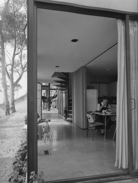 062-charles-and-ray-eames-theredlist